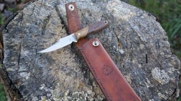 JK Squirrell Knife in Oak and Walnut
